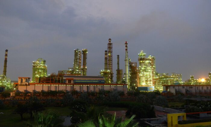 An Indian Oil Refinery of Essar Oil is seen at Vadinar village, near Jamnagar, India on Oct. 4, 2016. (Sam Panthaky/AFP/Getty Images)