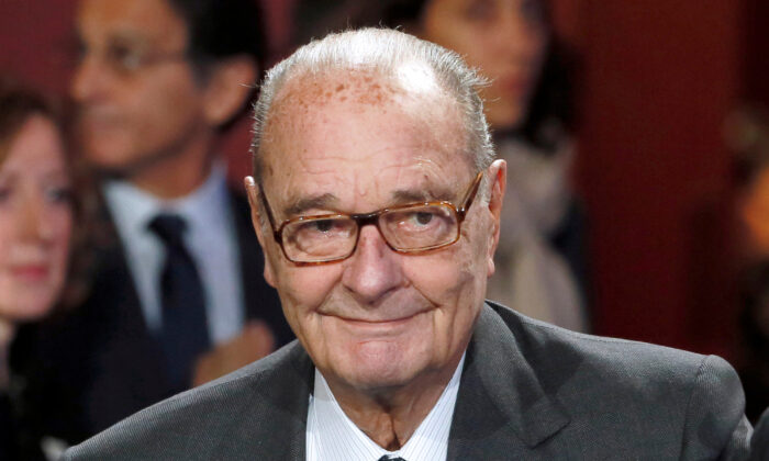 Former French President Jacques Chirac arrives to attend the award ceremony for the Prix de la Fondation Chirac at the Quai Branly Museum in Paris on Nov. 21, 2014. (Patrick Kovarik/Pool/File Photo via Reuters)