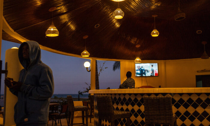 The beach bar at Ocean Bay Resort sits almost empty on Jan. 24, 2017 in Cape Point. (Andrew Renneisen/Getty Images)