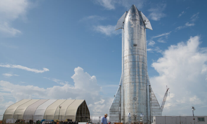 A prototype of SpaceX's Starship spacecraft is seen at the company's Texas launch facility on Sept. 28, 2019 in Boca Chica near Brownsville, Texas. (Loren Elliott/Getty Images)