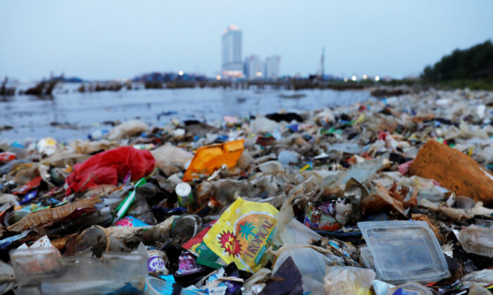Rubbish, most of which is plastics, is seen along a shoreline in Jakarta, Indonesia, June 21, 2019. (Willy Kurniawan/Reuters)