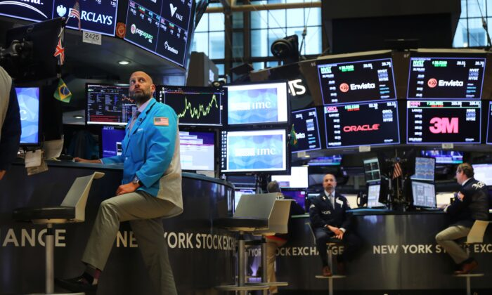 Traders work on the floor of the New York Stock Exchange in New York City on Sept. 18, 2019. (Spencer Platt/Getty Images)