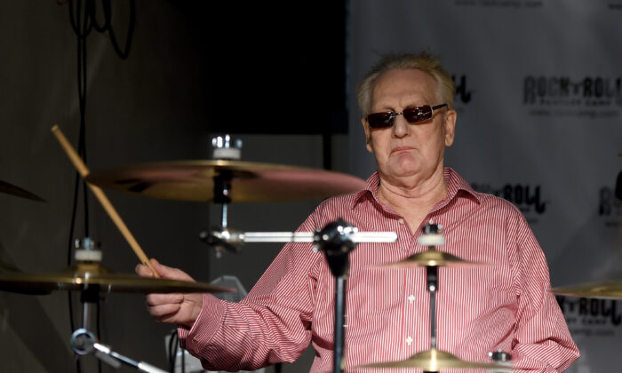 Musician Ginger Baker of Cream performs at the Rock 'N' Roll Fantasy Camp at AMP Rehearsal Studios in North Hollywood, California, on Nov. 6, 2015. (Photo by Kevin Winter/Getty Images)