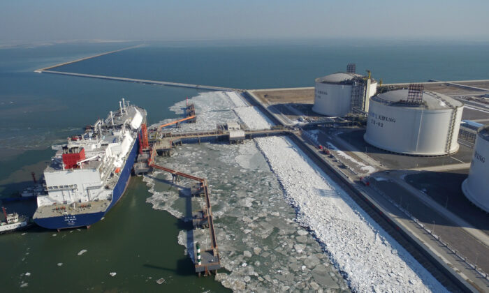 Chinese state-run company Sinopec's Tianjin terminal receives a liquefied natural gas (LNG) cargo in Tianjin City, China on February 6, 2018.  (VCG via Getty Images)