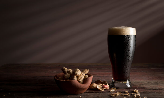 Stout or porter? It's a bit complicated. (Shutterstock)