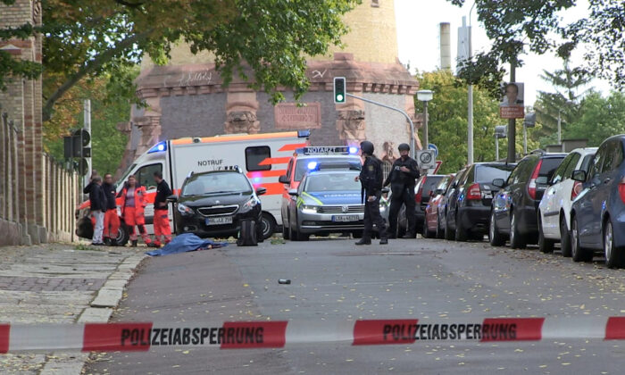 Police secures the area after a shooting in the eastern German city of Halle on Oct. 9, 2019. (Marvin Gaul/Reuters)