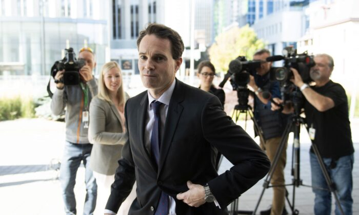 Ian Carter, lawyer for Cameron Ortis, returns to the courthouse after speaking to reporters in Ottawa on Sept. 20, 2019. Ortis, one of the RCMP's most senior intelligence officials, faces charges of violating Canada's official-secrets law for allegedly trying to pass classified information to adversaries. Ortis had top secret clearance but had not undergone a polygraph exam. (THE CANADIAN PRESS/Justin Tang)
