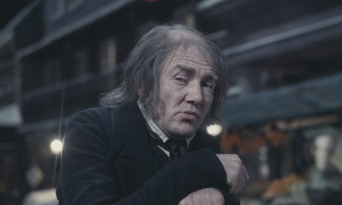 English actor Albert Finney as Dickensian anti-hero Scrooge in the musical film 'Scrooge', Jan. 16, 1970.  Fox Photos/Hulton Archive/Getty Images