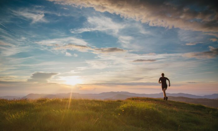 Seeking new paths to travel can keep the sun from setting as quickly, subjectively speaking. (Sander van der Werf/Shutterstock)