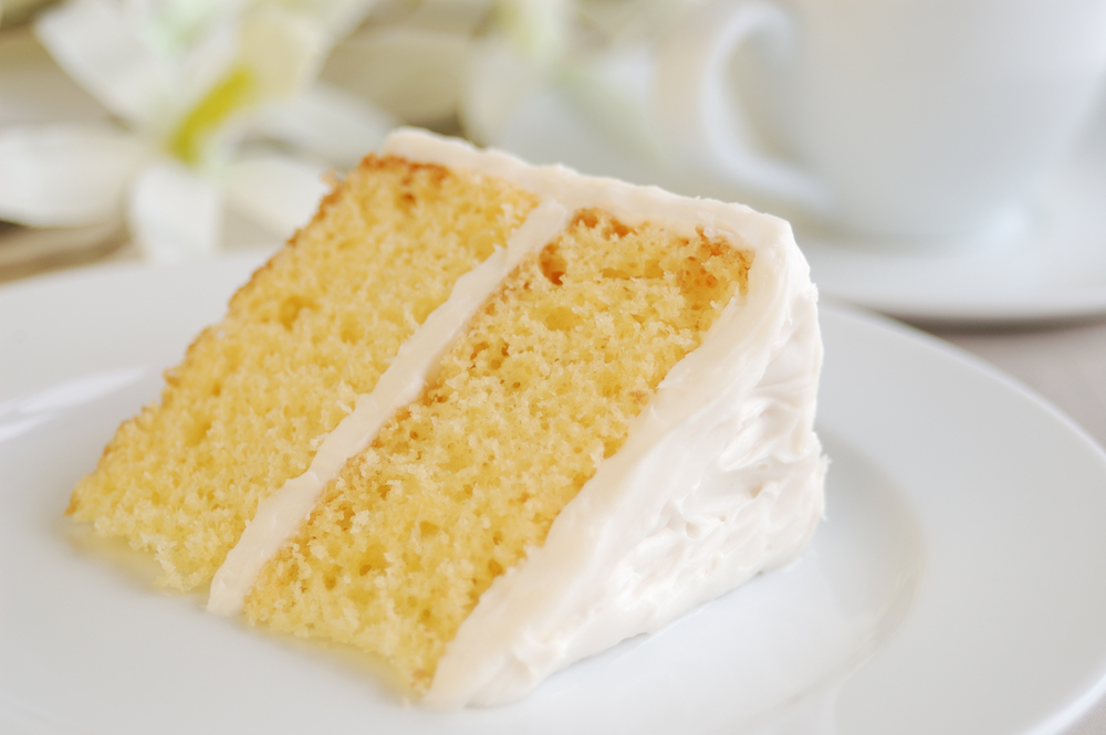 yellow cake with vanilla frosting