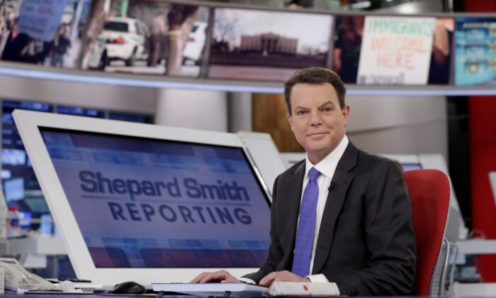 """Fox News Channel chief news anchor Shepard Smith appears on the set of """"Shepard Smith Reporting"""" in New York City on Jan. 30, 2017. (Richard Drew/AP Photo)"""
