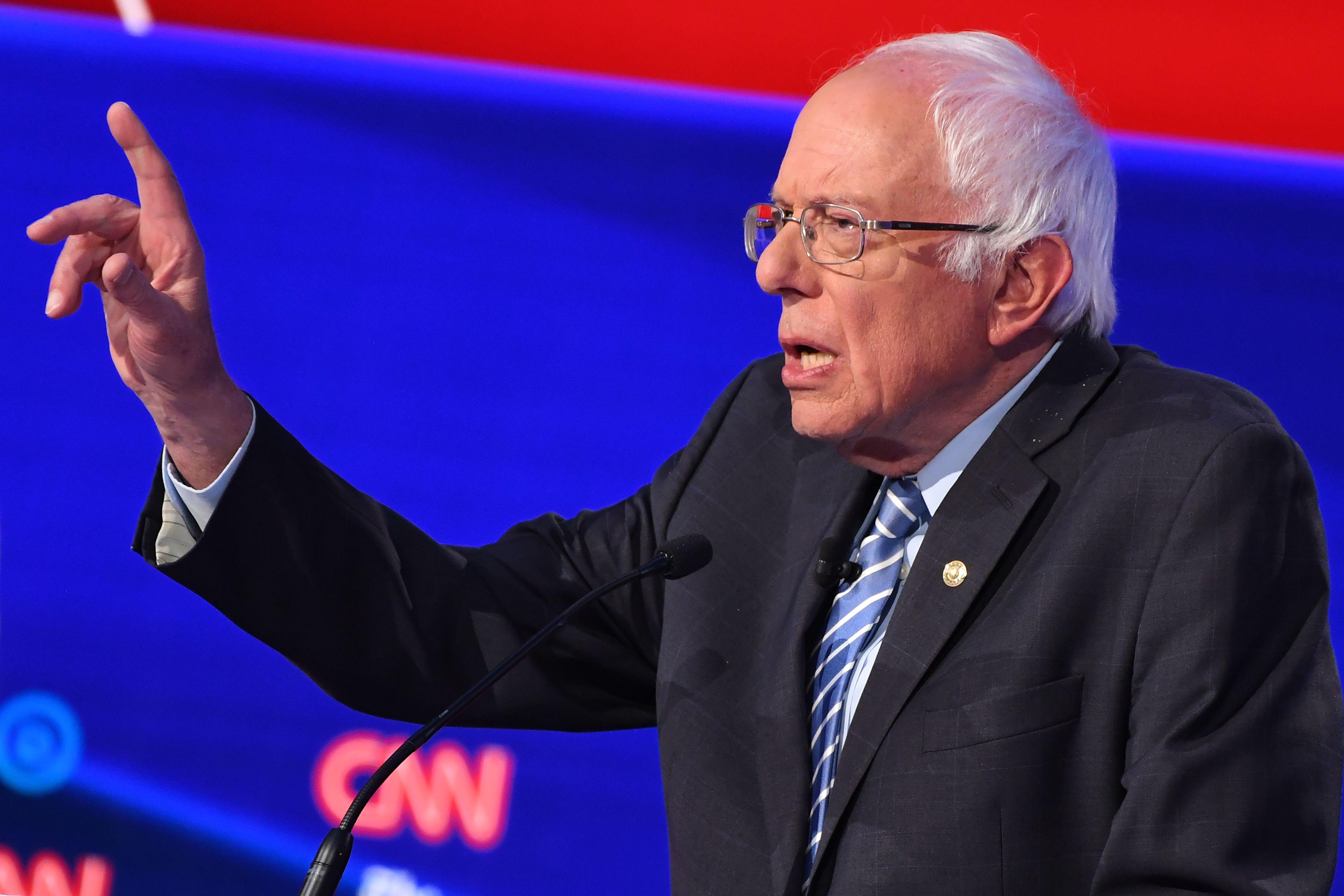 Bernie Sanders at Debate After Heart Attack: 'I'm Healthy'