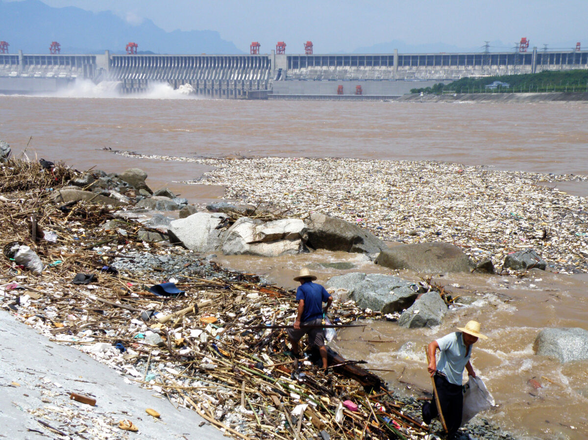 China Considers Fishing Ban in Yangtze River – Fish Counts Dramatically Low