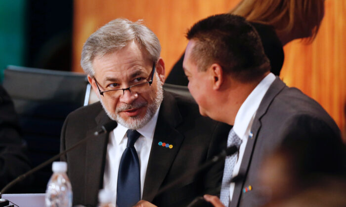 """Deputy Secretary of the U.S. Department of Energy Dan Brouillette (L) attends a meeting of the """"Energy and Climate Partnership of the Americas"""" (III ECPA) in Vina del Mar, Chile, on Sept. 7, 2017. (Rodrigo Garrido/Reuters)"""