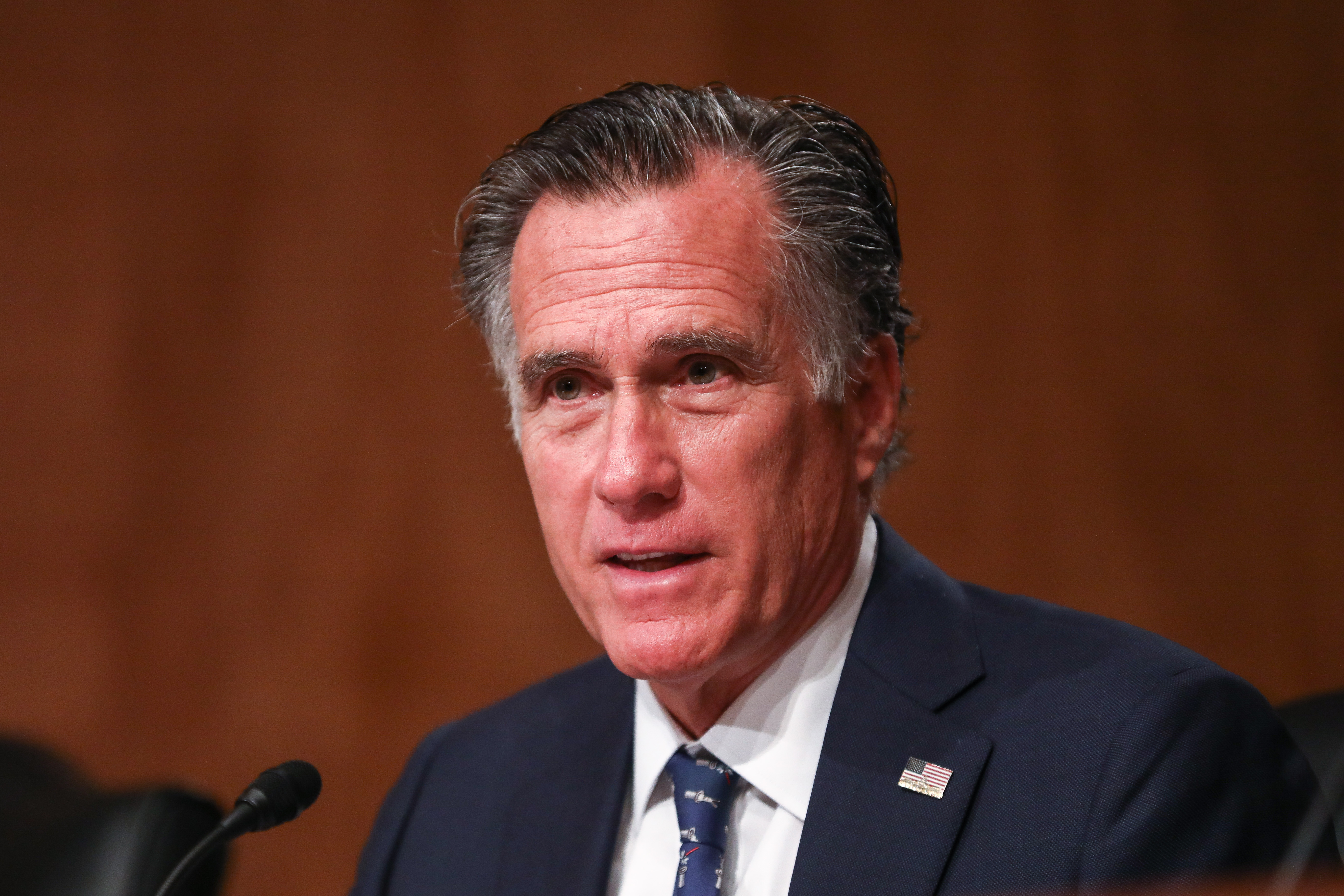 Mitt Romney Appears to Confirm Name of Anonymous Twitter Account
