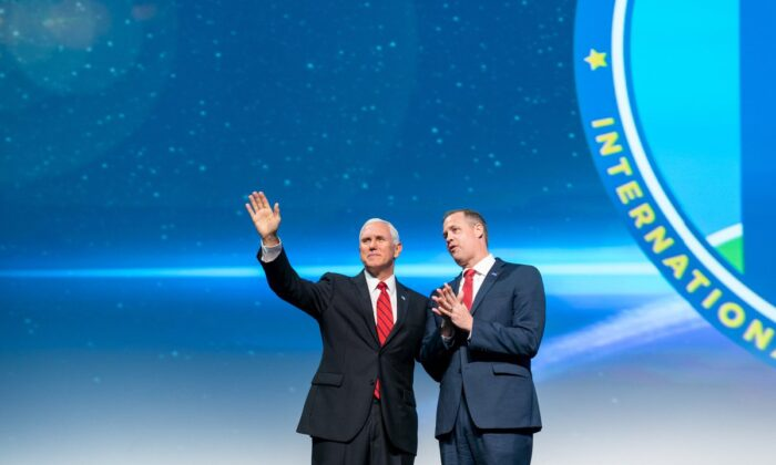 Vice President Mike Pence and NASA Administrator Jim Bridenstine at the 70th International Astronautical Congress in Washington. (Public Domain)