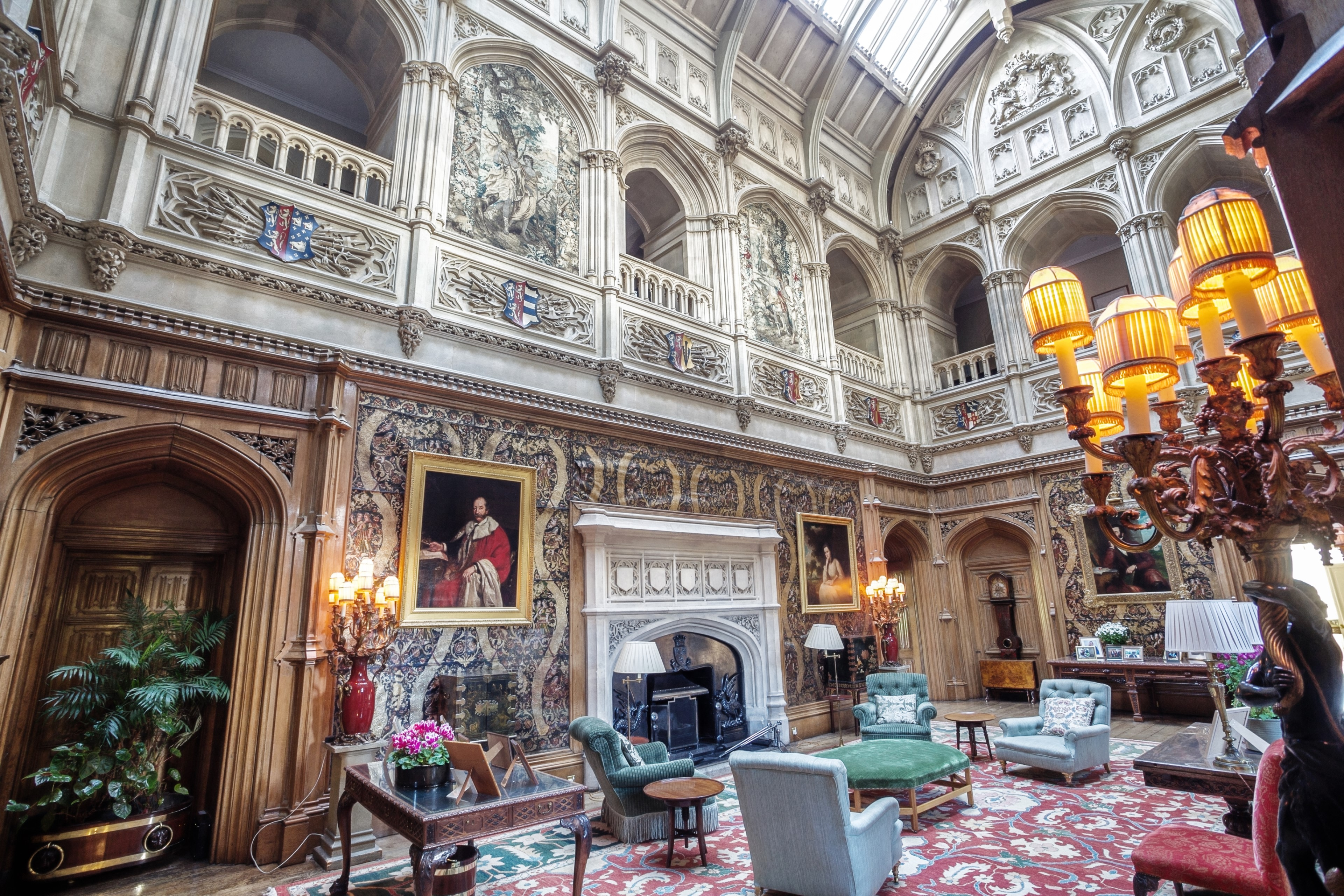 Highclere-Castle-Saloon
