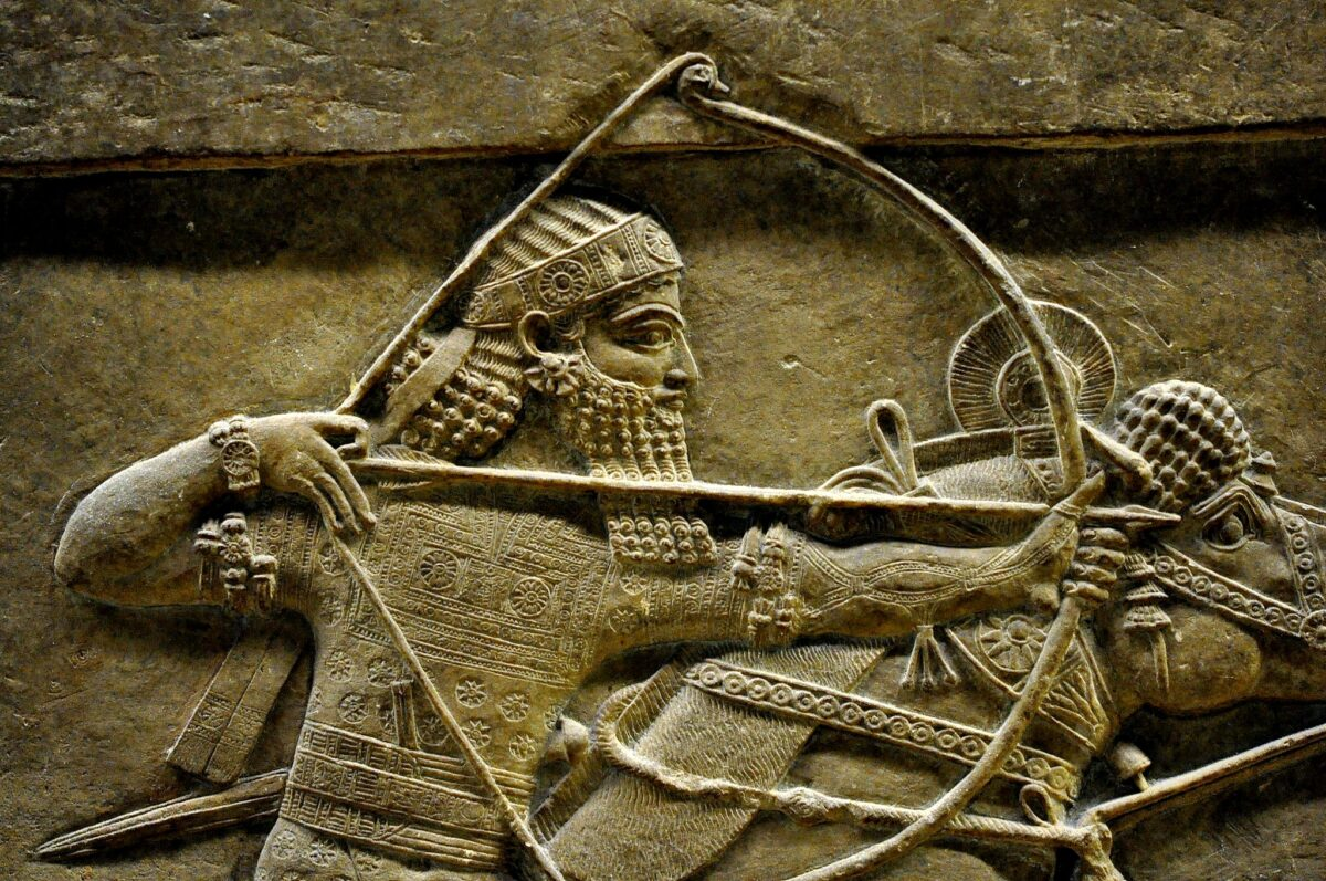 Ashurbanipal_II,_detail_of_a_lion-hunt_scene_from_Nineveh,_7th_century_BC,_the_British_Museum