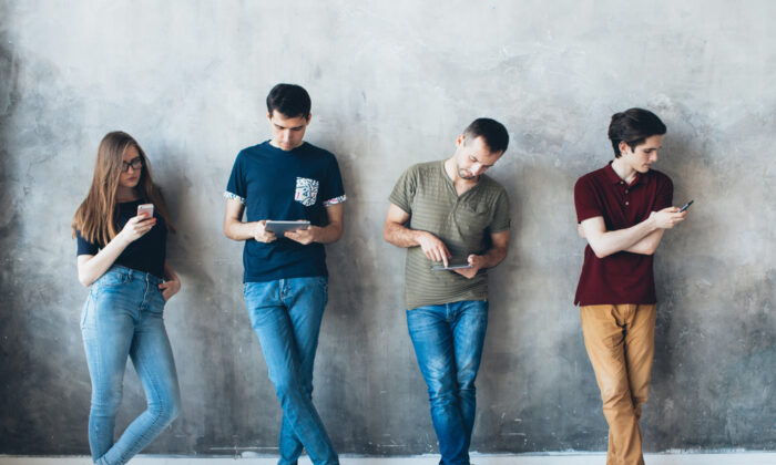 The digital minimalists Newport interviewed had felt they were losing their autonomy and time to their devices. They redirected their energy to pursuits that mattered to them. (Shutterstock)