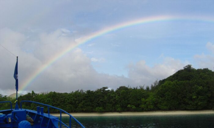 Rainbow over Tulagi island, Solomon Islands, in 2007. (mjwinoz/Wikimedia commons/ CC BY 2.0 ept.ms/2haHp2Y)