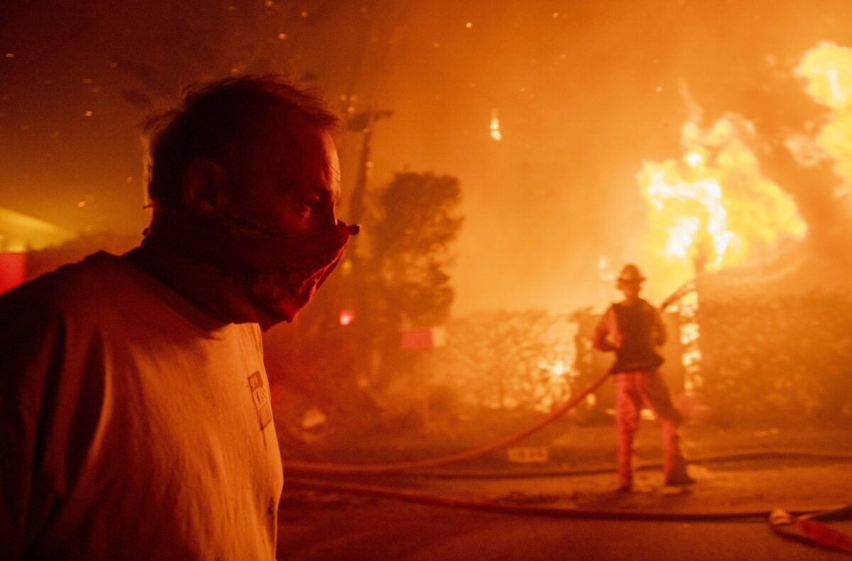 Getty fire near LA threatens 10,000 homes and businesses, thousands evacuated