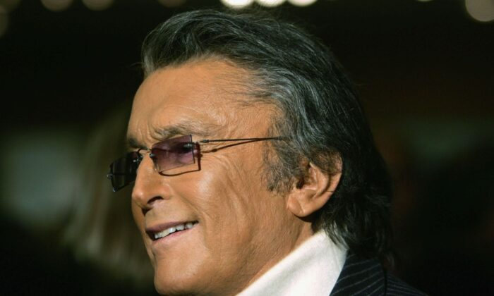 "Producer Robert Evans attends The Academy of Motion Picture Arts and Sciences' 30th anniversary screening of Best Picture Nominee ""Chinatown"" presented as part of the Academy?s Gold Standard series on November 18 2004 in Beverly Hills, California. (Photo by Frazer Harrison/Getty Images)"