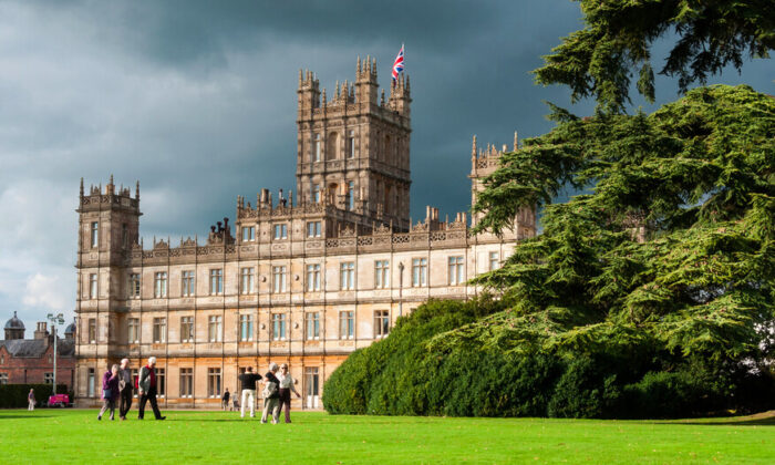 "The Jacobethan-style Highclere Castle is the ""real"" Downton Abbey, and it's open to visitors—no matter their rank or title. (Shutterstock)"