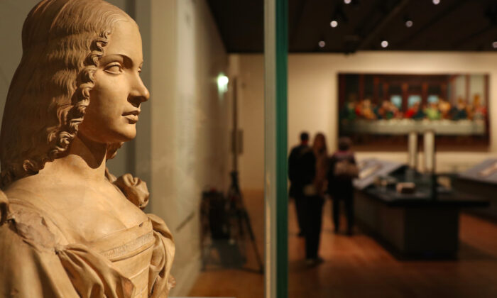 The da Vinci exhibition at the Louvre celebrates the 500th anniversary of the Italian painter's death. (David Vives/Epoch Times)