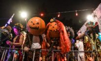 US Students Favor Punishment for Offensive Halloween Costumes