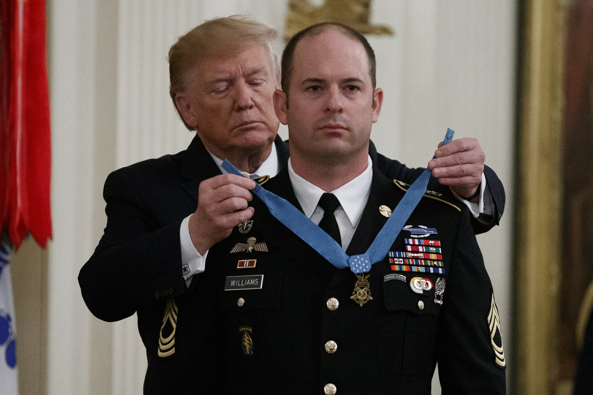 Trump presents medal of honor 1