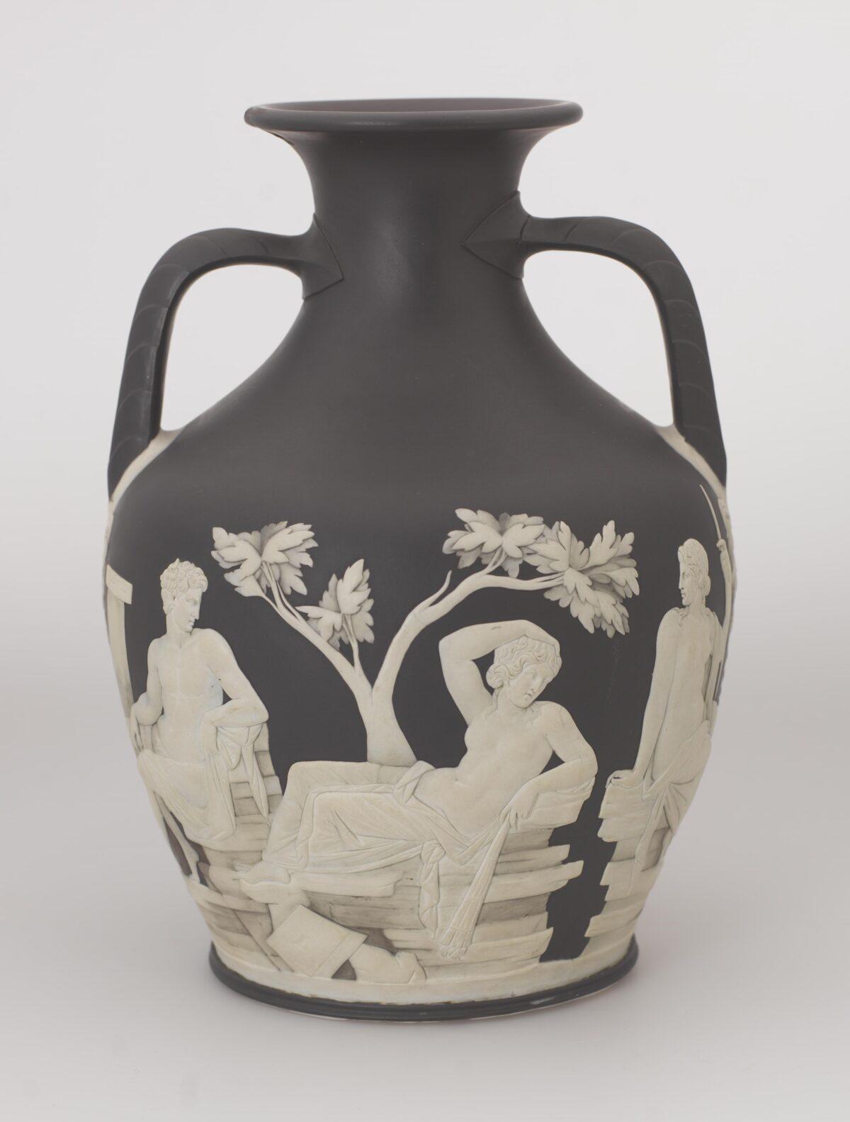Josiah Wedgwood S Portland Vase The Pinnacle Of Classical