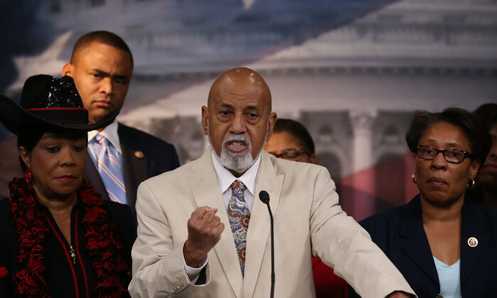 Rep. Alcee Hastings (D-Fla.) (C) speaks about black judicial nominees, while flanked by (L-R) Rep. Fredrica Wilson (D-Fla.), Rep. Marc Veasey (D-Texas), Rep. Marcia Fudge, during a news conference on Capitol Hill in Washington on  July 17, 2013. (Mark Wilson/Getty Images)