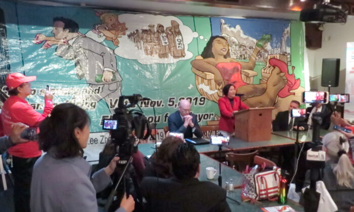 San Francisco mayoral candidate Ellen Lee Zhou speaking to the press on Nov. 1 in San Leandro, California. (Nathan Su/The Epoch Times)