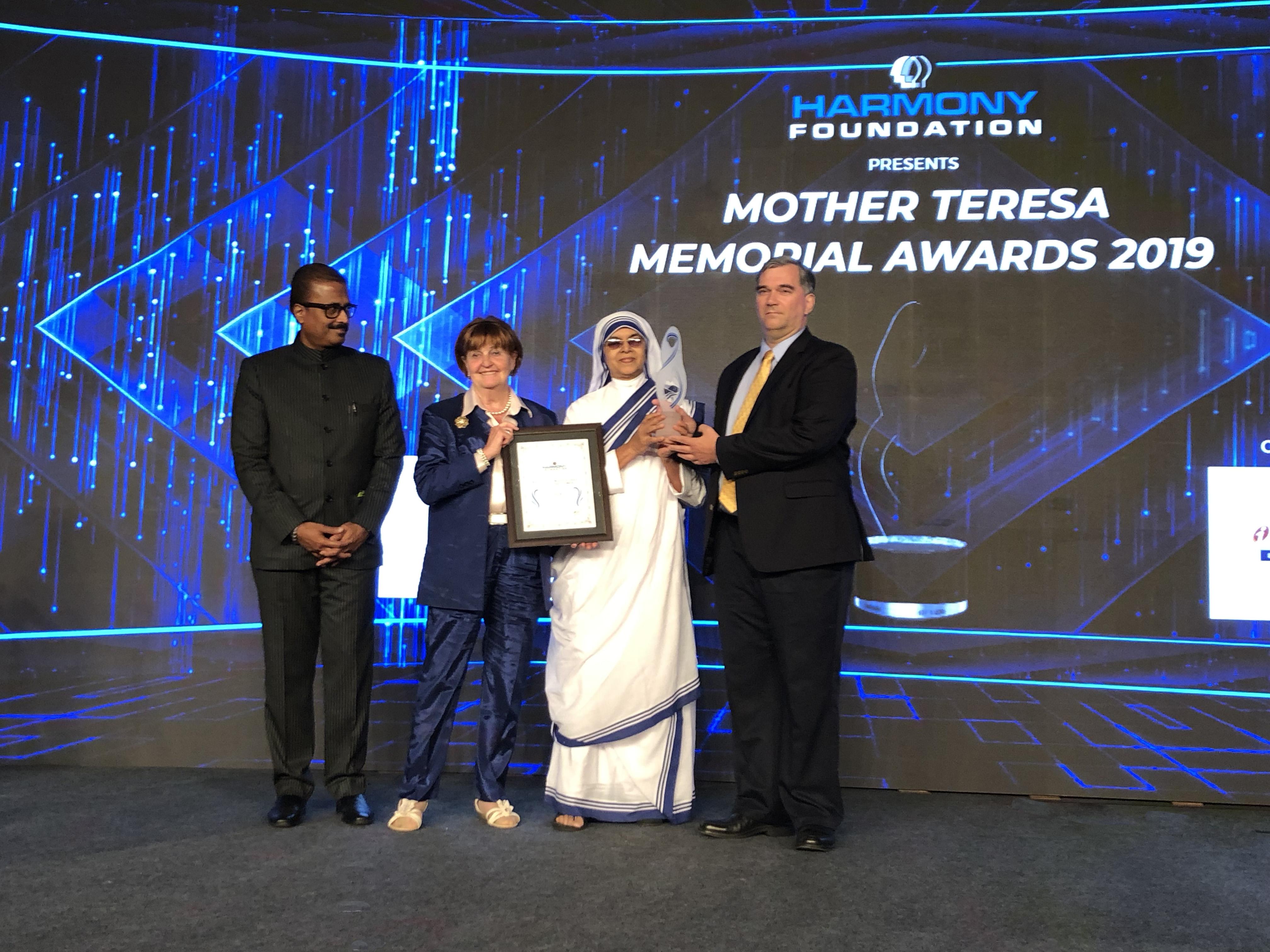 DAFOH вручена премия Матери Терезы за борьбу с извлечением органов