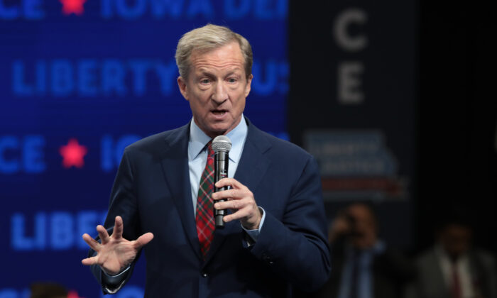 Democratic presidential candidate Tom Steyer speaks at the Liberty and Justice Celebration at the Wells Fargo Arena in Des Moines, Iowa, on Nov. 1, 2019. (Photo by Scott Olson/Getty Images)