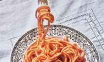 Giuseppina's Pici With Garlic Tomato Sauce
