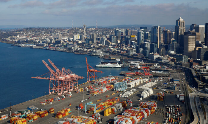 An aerial photo looking north shows shipping containers at the Port of Seattle and the Elliott Bay waterfront in Seattle, Washington, U.S. March 21, 2019. (REUTERS/Lindsey Wasson/File Photo)