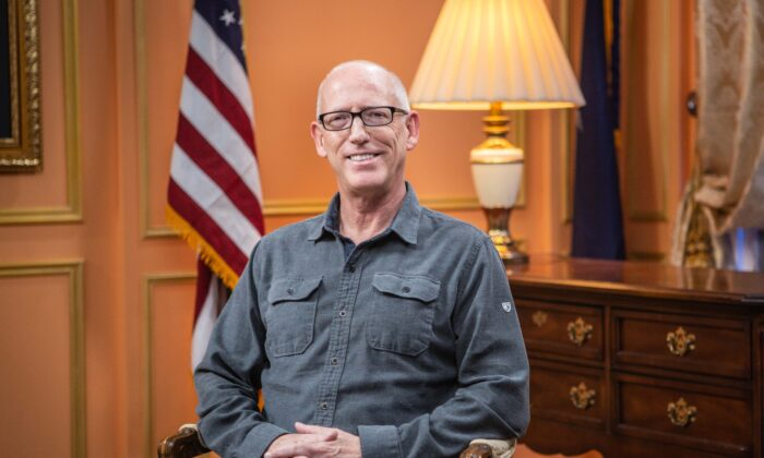 "Scott Adams, author of ""Loserthink: How Untrained Brains Are Ruining America,"" in New York on Nov. 4, 2019. (Brendon Fallon/The Epoch Times)"
