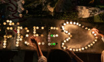 100,000 Mourn the Death of Student Protester in Hong Kong