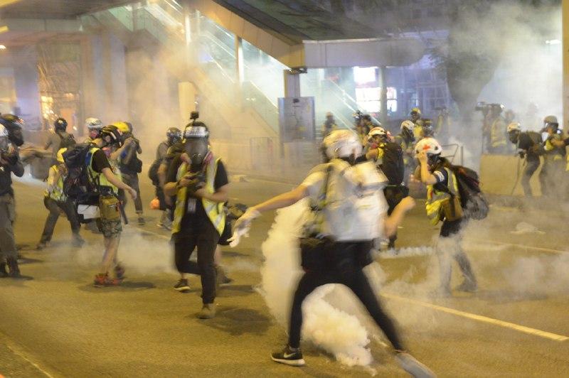 gordon yu tear gas journalist