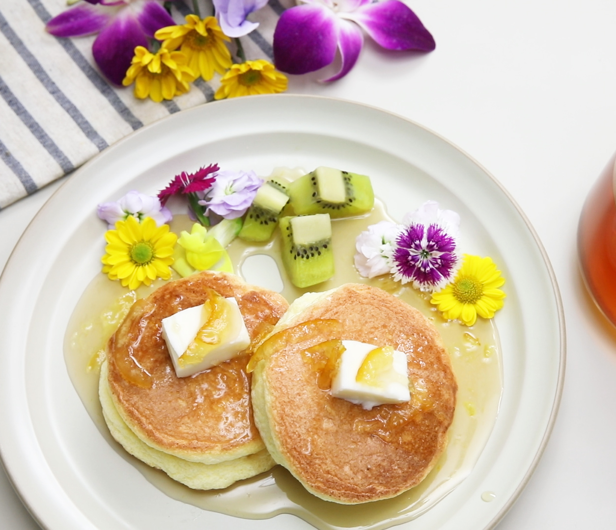 souffle pancakes with yuja syrup