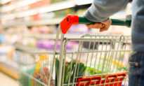 'He Always Pushes the Grocery Cart': Woman's Post on How Husband Shows Love Goes Viral