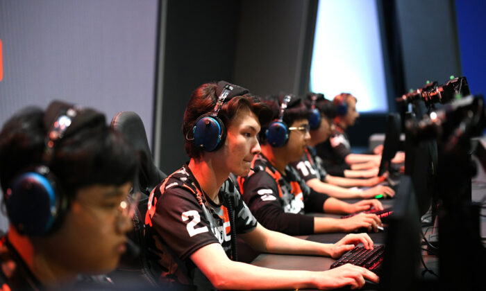 The San Francisco Shock and Vancouver Titans will face off at the Overwatch League Grand Finals 2019 at Wells Fargo Center in Philadelphia, Pennsylvania, U.S. on Sept. 29, 2019. (Bryan Bedder/Getty Images  for Blizzard Entertainment)