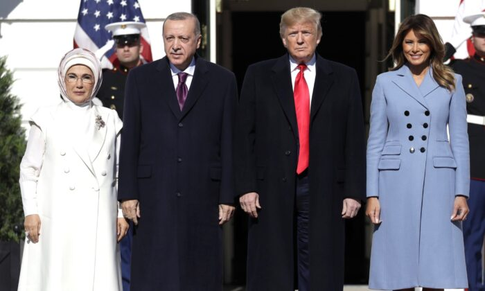 President Donald Trump and First Lady Melania Trump welcome Turkish President Recep Tayyip Erdogan and his wife Emine Erdogan to the White House, on Nov. 13, 2019. (Evan Vucci/AP Photo)