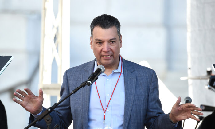 Secretary of State of California Alex Padilla speaks at Pershing Square in Los Angeles on Jan. 20, 2018. (Amanda Edwards/Getty Images for The Women's March Los Angeles)