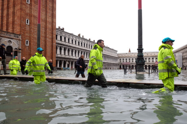 severe flooding in Venice