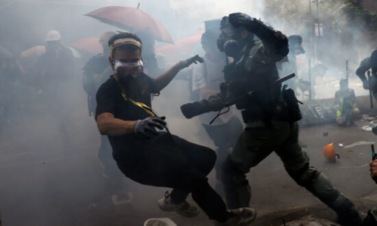 House Passes 2 Hong Kong Bills in Support of Protests; To Be Sent To President for Approval