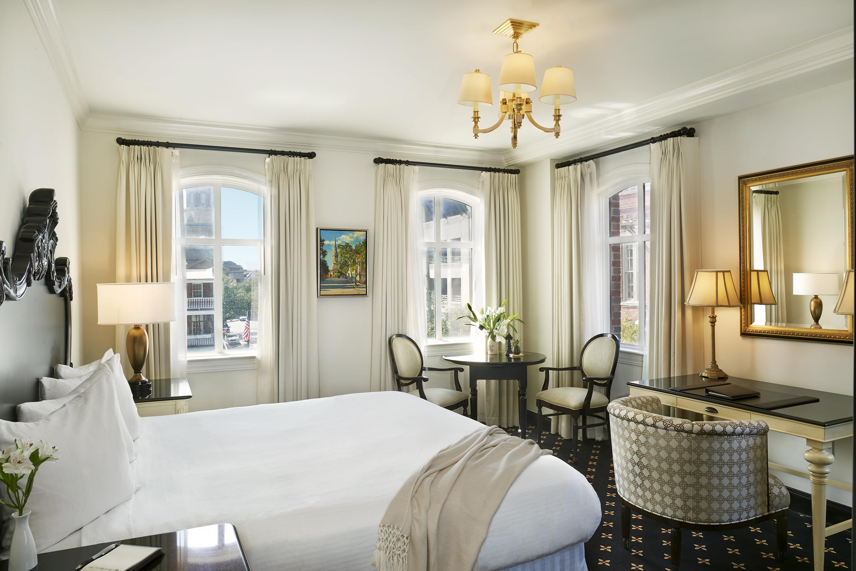 French Quarter Inn King Balcony Guestroom