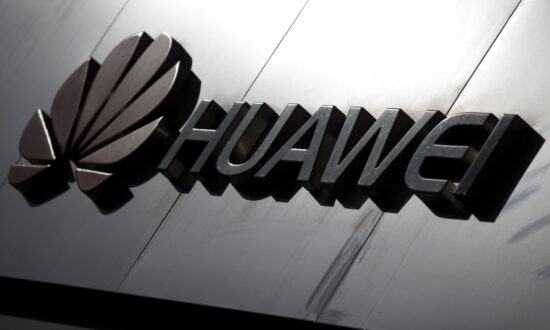 FCC Votes 5-0 to Bar China's Huawei, ZTE From Government Subsidy Program