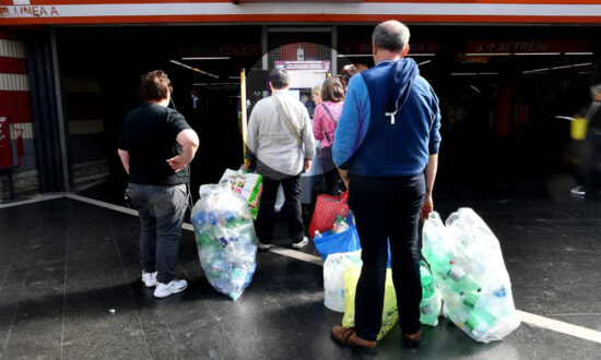 Metro Commuters Can Trade Plastic Trash for Subway Tickets to Fight Pollution in Rome